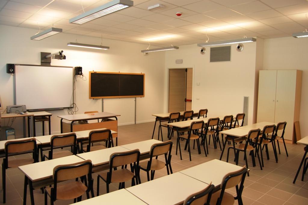 Alcune realizzazioni arredi scuola for Arredi per scuole
