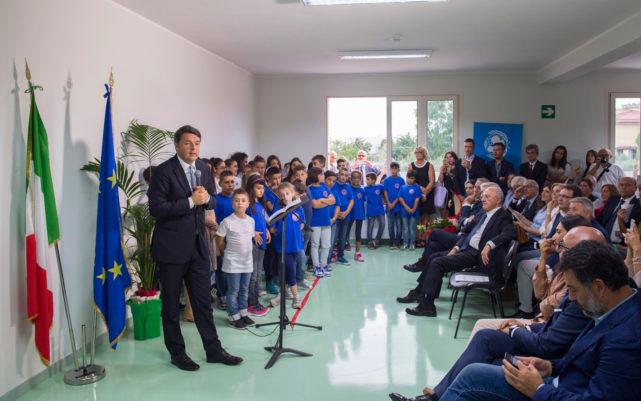 Renzi inaugura scuola vastarredo
